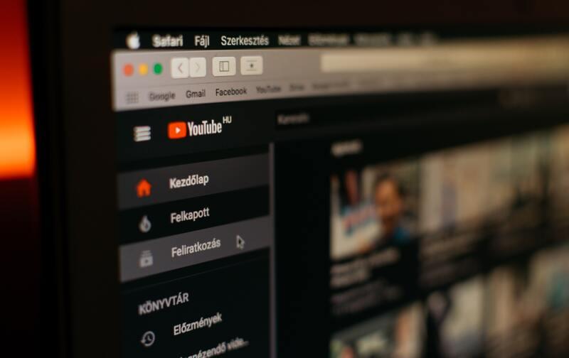 anuncios de youtube en computadora, publicida de youtube